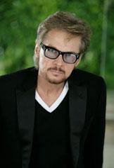 Stephen-Nichols-Glasse
