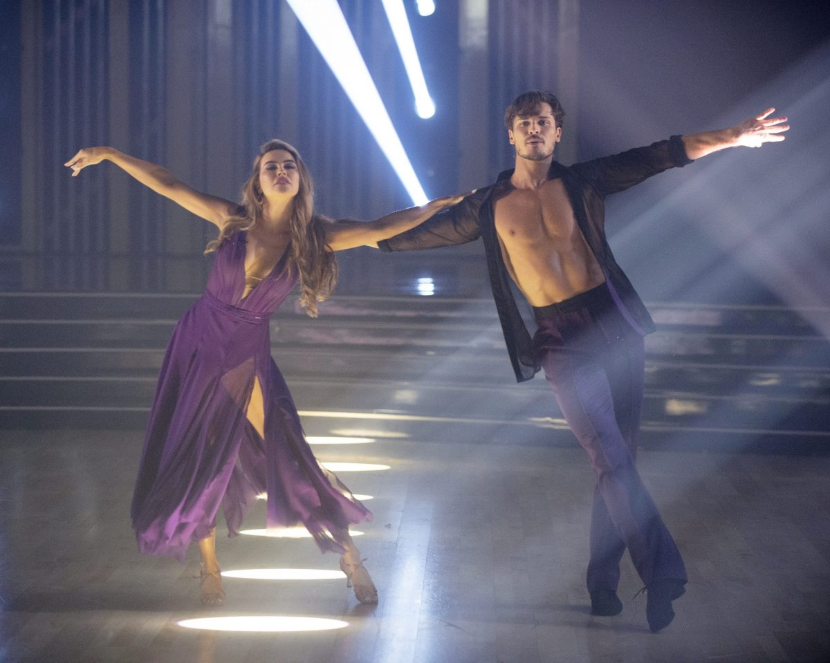 Dancing With The Stars Chrishell Stause Has A Comeback Kaitlyn Bristowe Overcomes Injury One Couple Is Eliminated Michael Fairman Tv