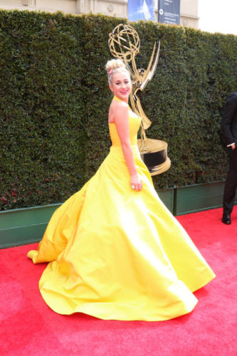 Country singing star, Kellie Pickler a look of yellow!