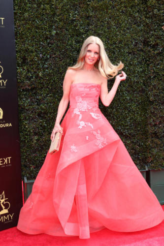 Y&R's Lauralee Bell (Christine) in a showstopper on the carpet!