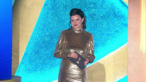 B&B's six-time Daytime Emmy winner, Heather Tom  (Katie) presents an award.