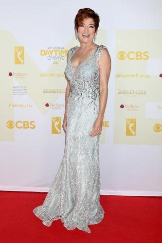 GH's Carolyn Hennesy hits the red carpet and is a Supporting Actress nominee.