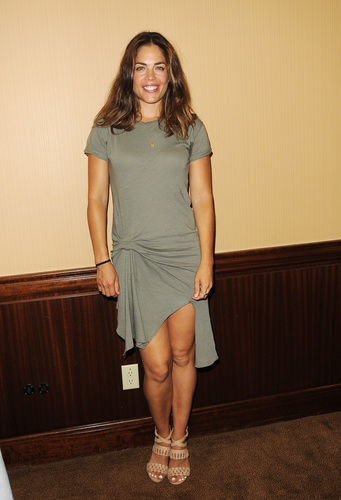The Britch is Back!  Fan fave, Kelly Thiebaud attended the Past Cast Event and fans were thrilled.