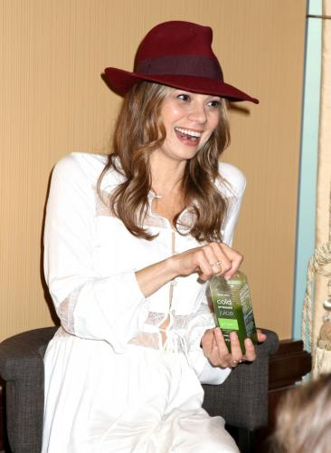 Tamara Braun held her own fan event, which featured good food, and good conversation.