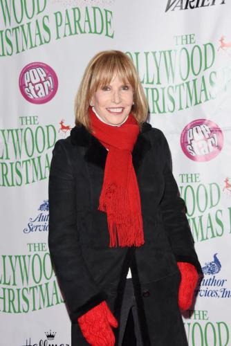 GH's Leslie Charleson ready to kick-of the holiday season.