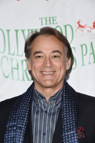 GH's Jon Lindstrom ready to bring in the holiday season.