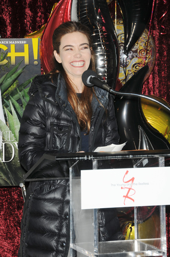 Amelia Heinle tells those attendance all about Mel!
