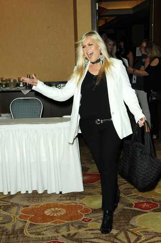 Everything is magical about Catherine Hickland! And who can forget her performances as bitch on wheels, Lindsay Rappaport on OLTL!