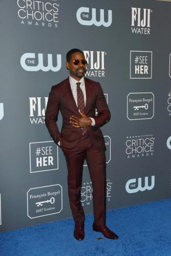 'This Is Us' Lead Actor nominee, Sterling K. Brown hits the carpet at the Critics Choice Awards.