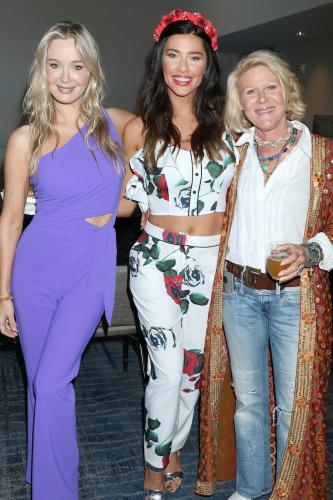 Girls Night Out: Jennifer Gareis, Jacqueline MacInnes Wood, and Alley Mills.