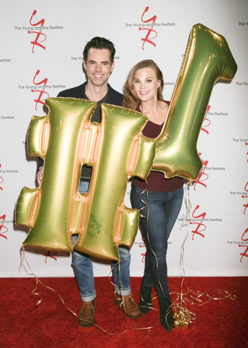 It's Philly! Jason Thompson and Gina Tognoni.