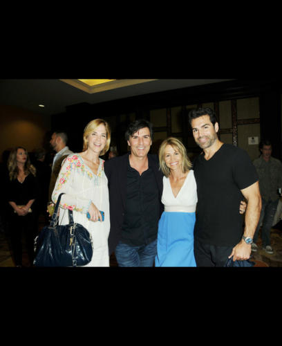 Former AMC stars: Jordi Vilasuso (Griffin) and Vincent Irizarry (David) flanked by One Lifers; Kassie DePaiva (Blair) and Krista Tesreau (Ex-Tina)!