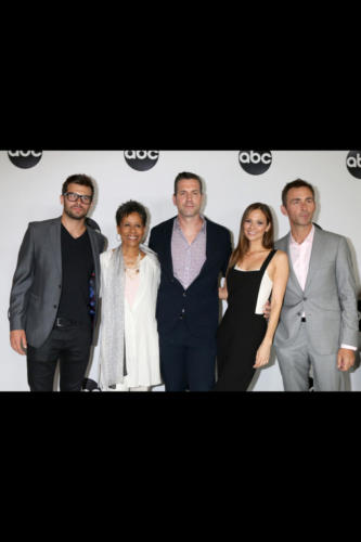 The GH ensemble of: Josh Swickard, Vernee Watson, Frank Valentini, Tamara Braun, and James Patrick Stuart.